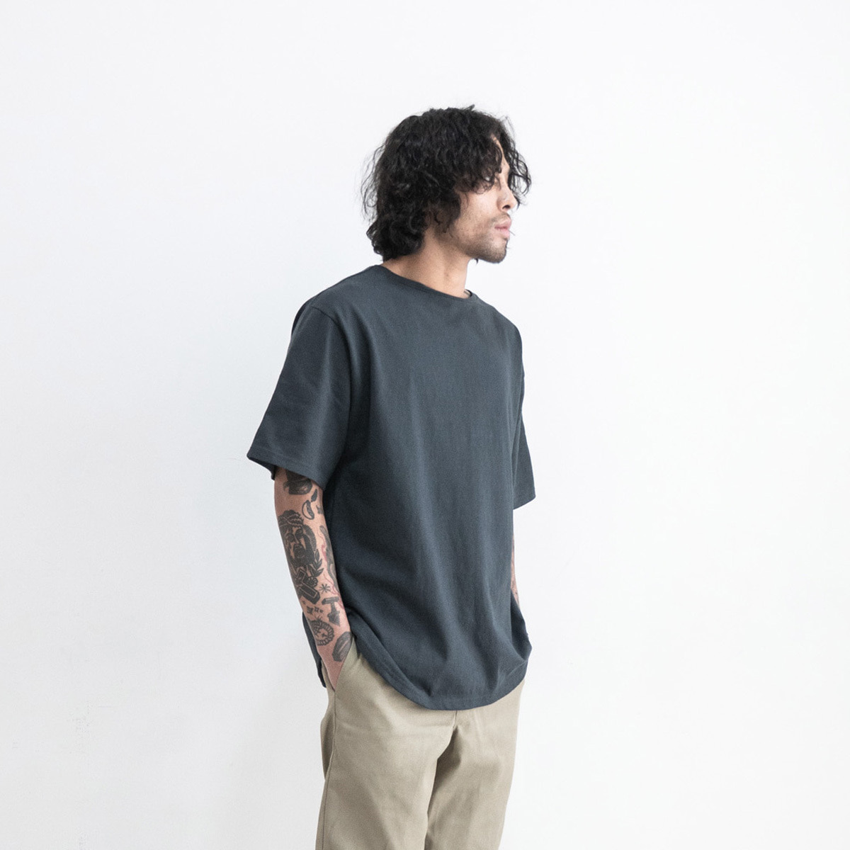 ML round t-shirt_charcoal navy